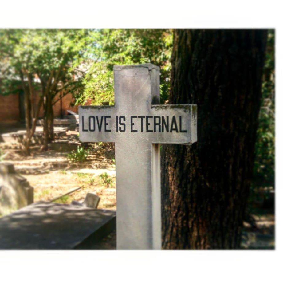 el amor es eterno, otro Post Data, cementerio británico, Carabanchel